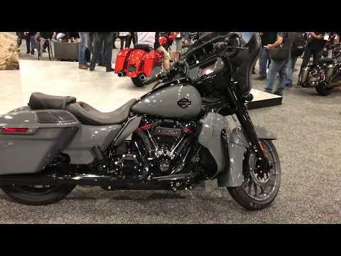 2018 Harley Davidson CVO Street Glide Gunship Gray Dealer Show