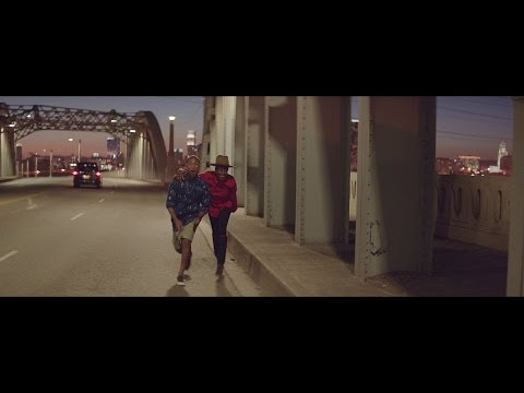 Pharrell Williams - Happy (6PM)