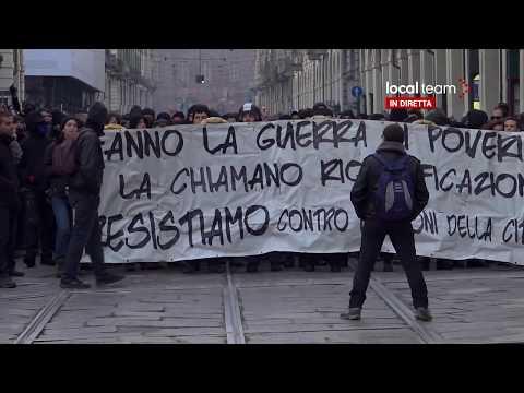 LIVE Nuovo corteo anarchici a Torino dopo sgombero asilo occupato di via Alessandria