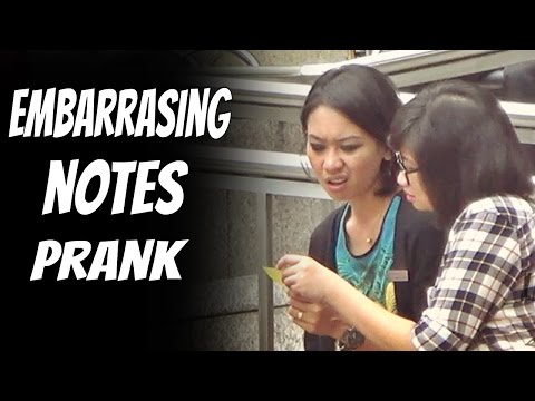 Giving Embarrassing Notes To Strangers -- PRANK