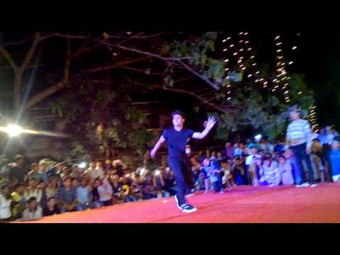 Best b-boys of Mumbai (from Vasai-Nallasopara) at annual fest at T.B. college