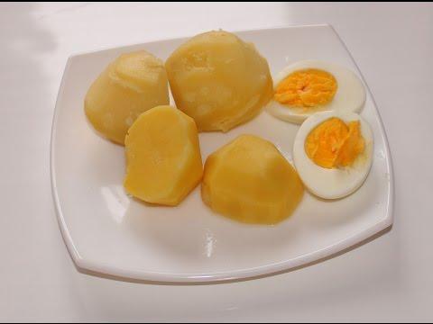 Картофель с яйцами в мультиварке