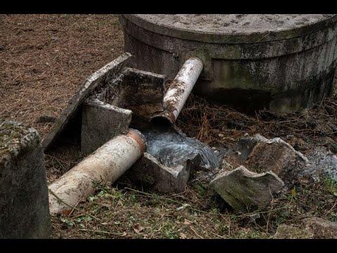 La policía inspecciona una fosa que vierte al río Silvaboa
