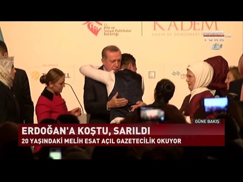 İnternet Fenomeni Genç Korumaları Aşarak Erdoğan'a Böyle Sarıldı.