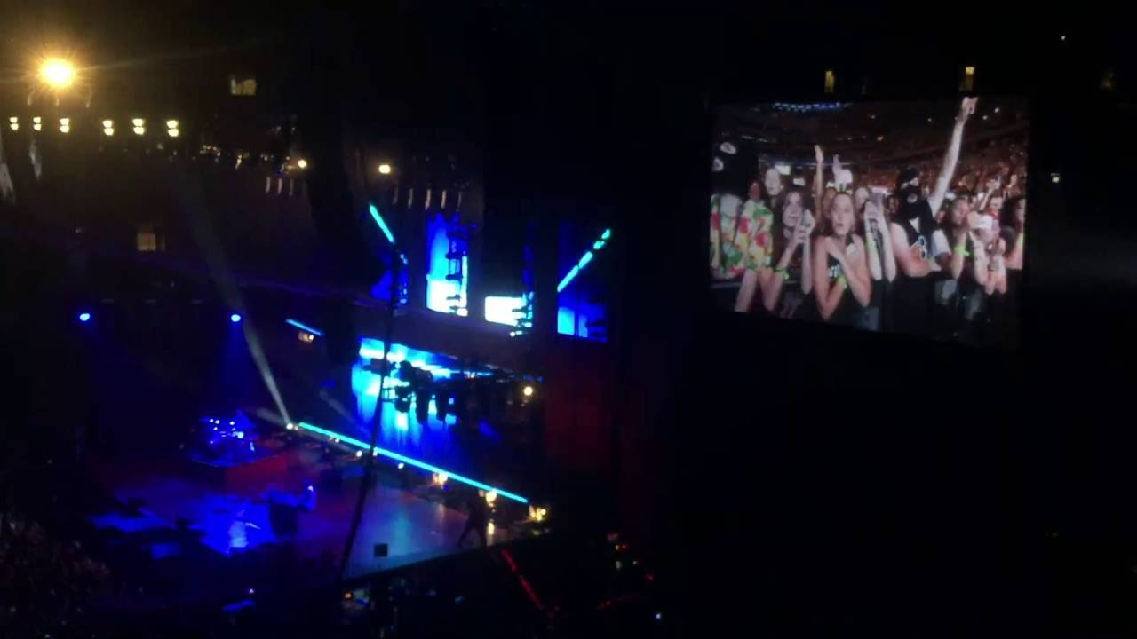Madison Square Garden: Twenty One Pilots Car Radio Live Madison Square Garden 8