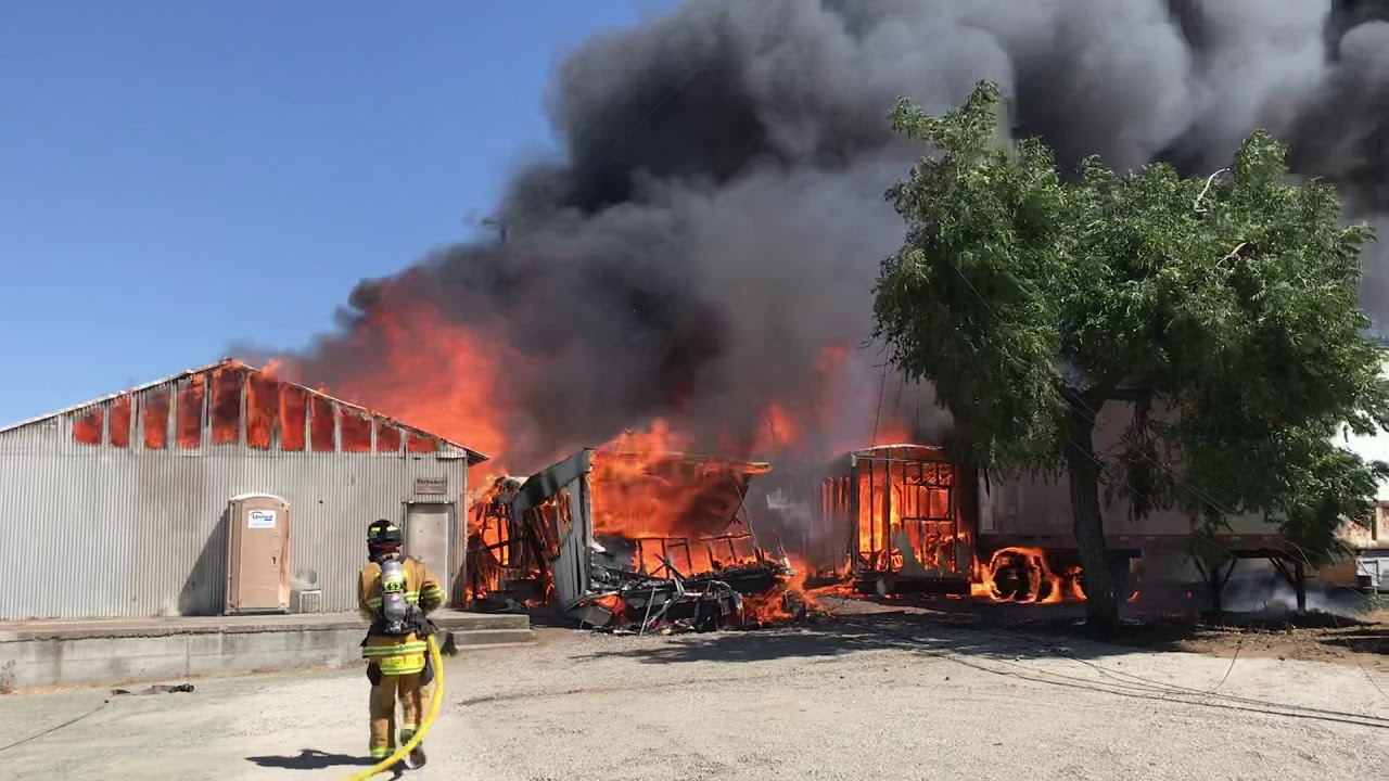 [Video]Firefighters battle structure fire on Anderson Lane in Brentwood