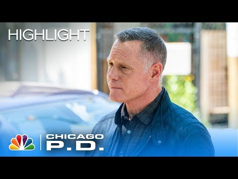 Voight and Halstead Get In Each Other's Faces About Trust - Chicago PD (Episode Highlight)