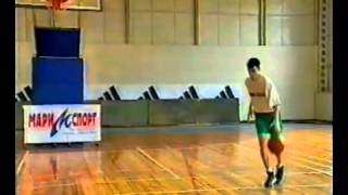 Уроки баскетбола. Разворот к кольцу после дриблинга и паса