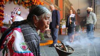 Ofrenda homenaje a víctimas de la pandemia, desde Palacio Nacional