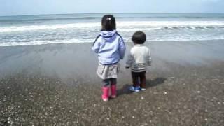 By the sea shore 波打ち際