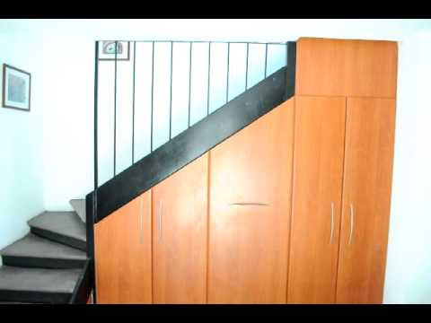 Deposito bajo escaleras avi youtube for Muebles para tv bajo escalera