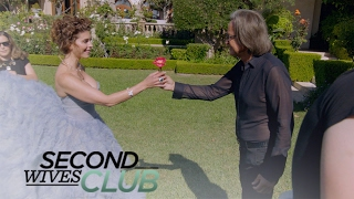 Shiva Safai's Luxe Photo Shoot Doesn't Go as Planned! | Second Wives Club | E!