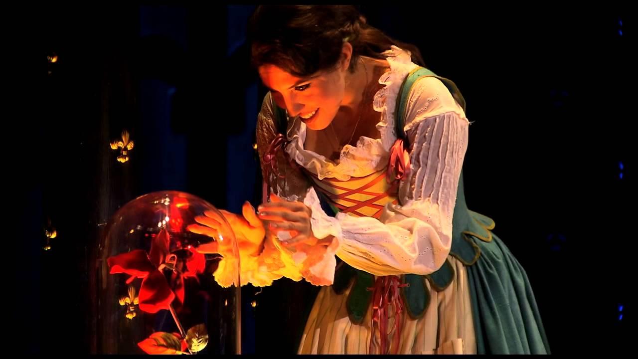 Musical la bella y la bestia en el teatro de la laboral for Teatro de la laboral
