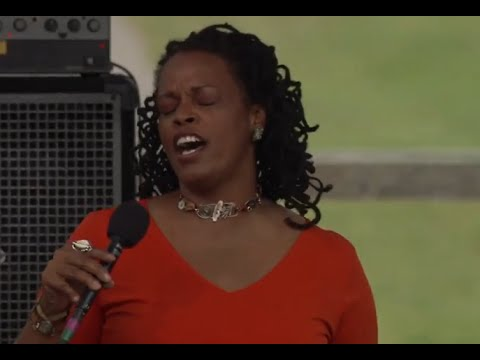 Dianne Reeves - Full Concert - 08/12/00 - Newport Jazz Festival (OFFICIAL)