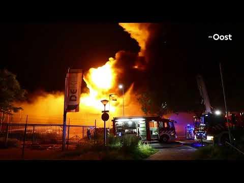 Grote band legt autobandenbedrijf in Kampen in as