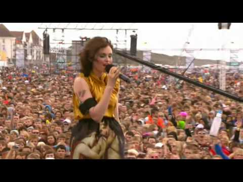 [HD] Sophie Ellis Bextor - Groovejet (If This Ain't Love) (T4OTB 2009)