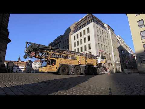 The sound of silence: Liebherr mobile construction crane in electric operation