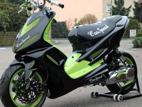 Aerox moped