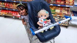 BABY ALIVE no Super Mercado com a Mamãe e Bia Lobo
