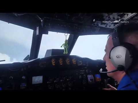 NOAA plane enters the 'eye' of Hurricane Harvey