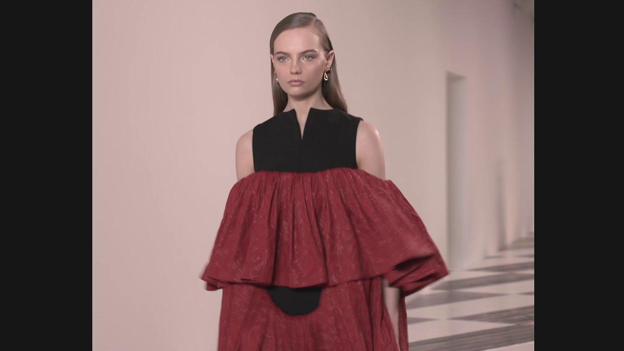 LOEWE Fall Winter 2020 Womenswear Show
