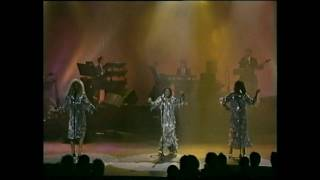 THE SUPREMES Live in London 1989 'You Keep Me Hangin' On'