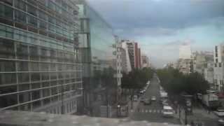 Musique dans le mêtre parisien Jaurés-Stalingrad.