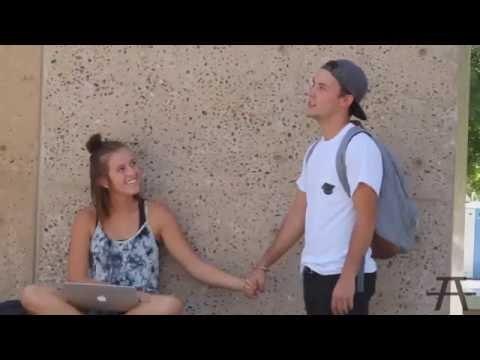 Как взять парня за руку первый раз