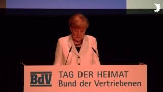 Kanzlerin Angela Merkel dankt Erika Steinbach und den deutschen Heimatvertriebenen für ihre Arbeit