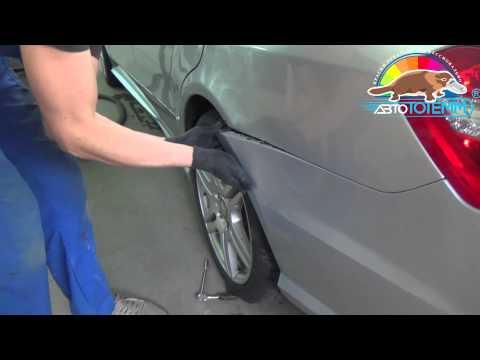 Коррозия металла на крыле автомобиля Mercedes Benz, ремонт в АвтоТОТЕММ - локальная окраска