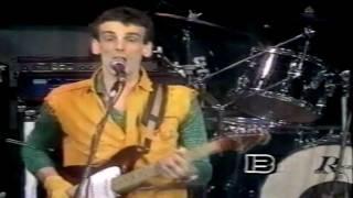 Spinetta Jade - Bajo Belgrano - Badía & Cía. ( 1983 ) YouTube Videos