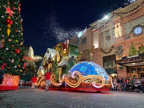 Holidays At Universal Orlando 2018 | Universal's Holiday Parade featuring Macy's & More!!