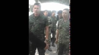 Repeat youtube video ทหารใหญ่มาจากไหนไม่รู้ แต่กูจะไล่