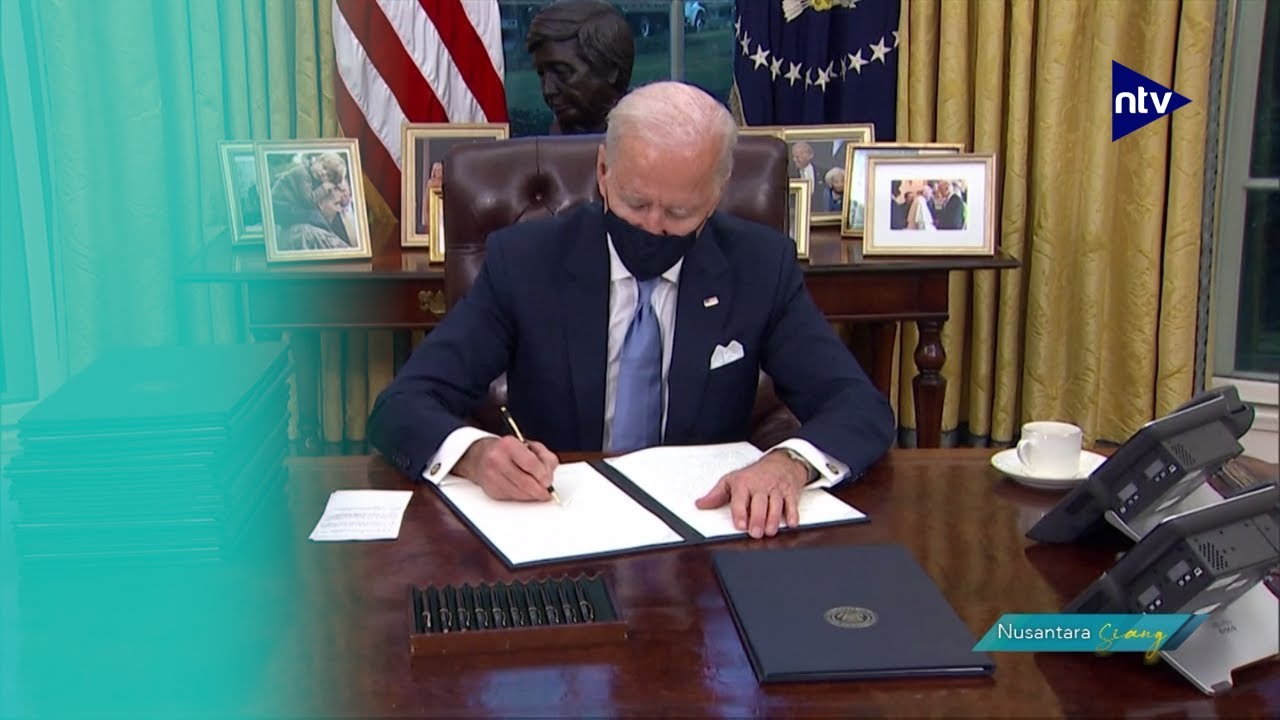 Biden Tandatangani Berkas Pertama Sebagai Presiden
