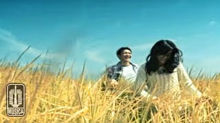 Download Lagu D'MASIV - Natural (Official Music Video) mp3