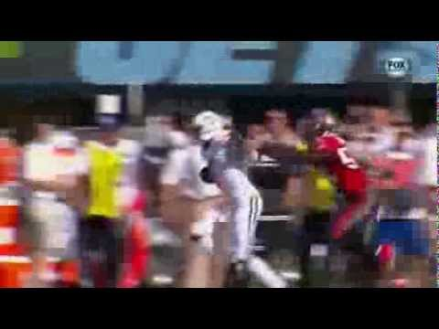 Lavonte David lays out New York Jets  Geno Smith