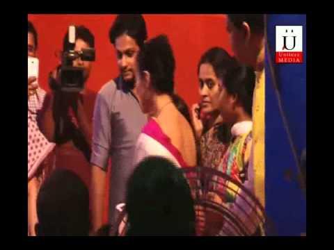 Kajol Dancing At Durga Pooja