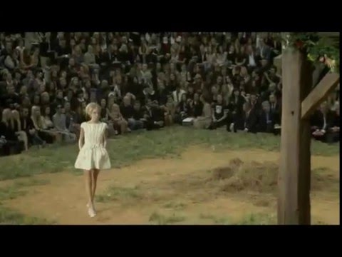 Chanel Spring/Summer 2010 Full Show Part 1