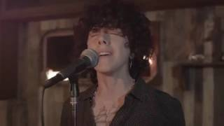 LP   Lost On You Live Session