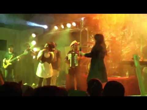 festa de crente 2012 com banda Ello --- Chuva de bênçãos
