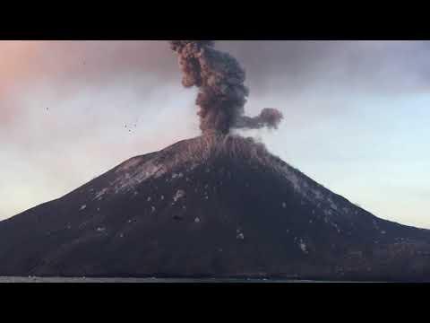 SPECIAL ERUPTION ANAK KRAKATAU JUILLET 2018
