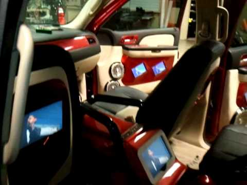 Ricky 39 S Custom Interior In His Bagged Tahoe On 28 39 Doovi