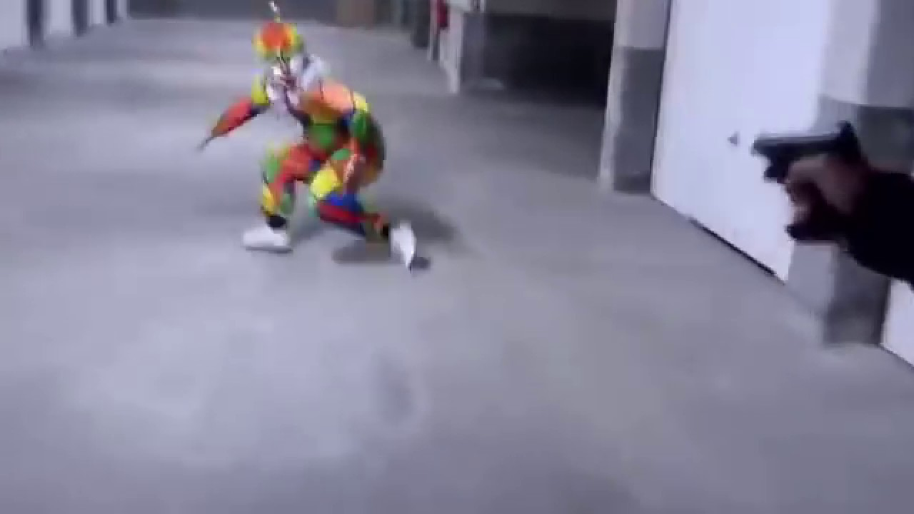 IL TUE DEUX CLOWN TUEUR 🤡 !/// he kills two killer clowns !!! /// IBO