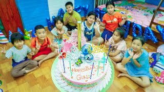 Kids Go To School   Chuns With Friend After School Go Buy Birthday Cake For Best Friends