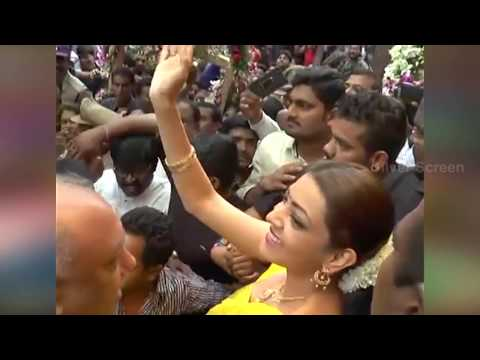 Kajal Agarwal Troubled by Uncontrollable Crowd in Chennai Shopping Mall  Khammam Shocking Video