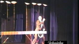Johnjohn comedy plate spinning