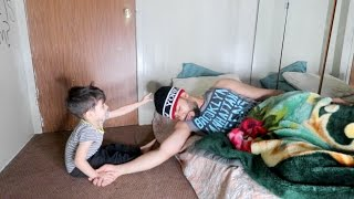 HOW A 2 YEAR OLD BABY WAKES ME UP!!!