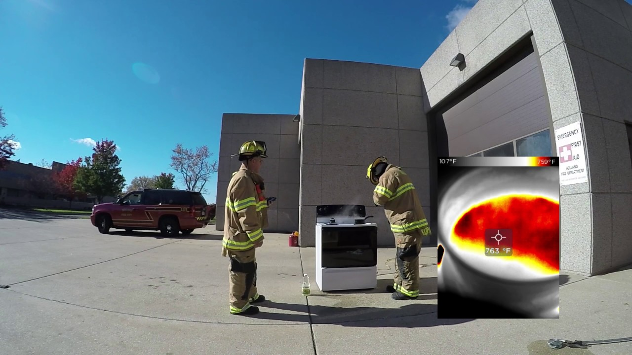 Fire Safety: Grease Fires in the Kitchen - YouTube