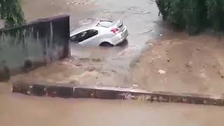Cars flowing in Bangalore heavy rain floods