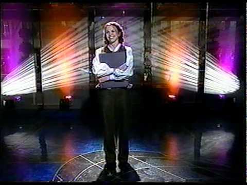 Sutton Foster Performs